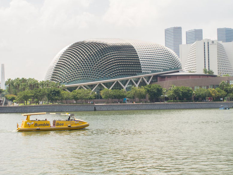 Singapore Marina Bay. Esplanade