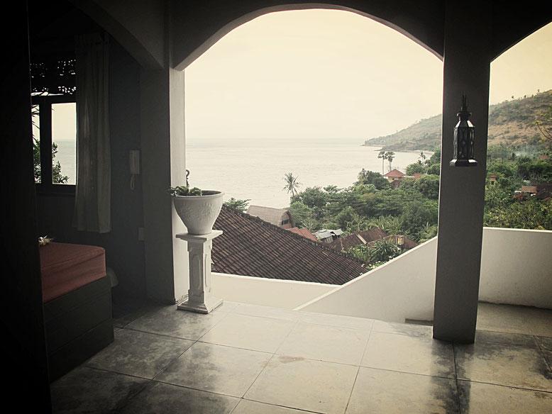 Spettacolare vista dalla camera del Baliku Dive Resort ad Amed - Bali