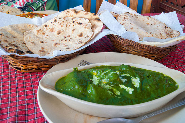 Ricetta del Palak Paneer, curry indiano di spinaci e formaggio (Photo by Akash128)