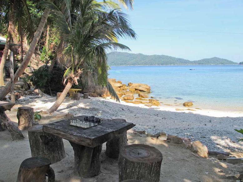 Dove dormire alle Isole Perhentian. La baia di fronte il D'Lagoon Chalet