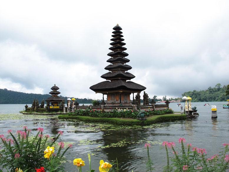 Ulun Danu Bratan Temple in Bali (Photo by Gabriele Ferrando)