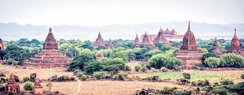 Viaggio di gruppo in Birmania - panorama del sito di Bagan