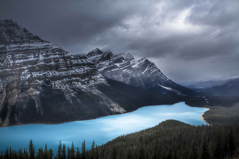 [Image: travel-guide-to-the-canadian-rockies.jpg]