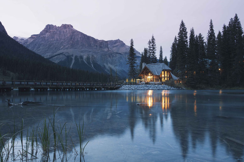 Travel Guide to the Canadian Rockies - Emerald Lodge in Yoho National Park, accommodation