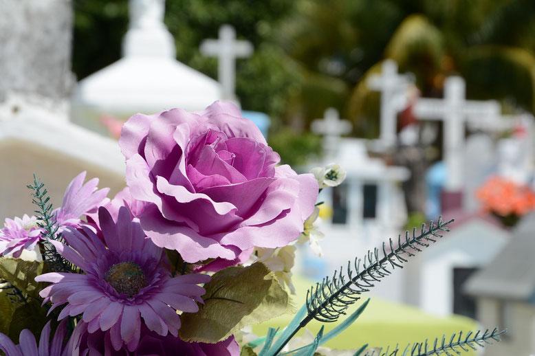 Friedhofszubehör 01 Bestattungsmesse lexikon-bestattungen