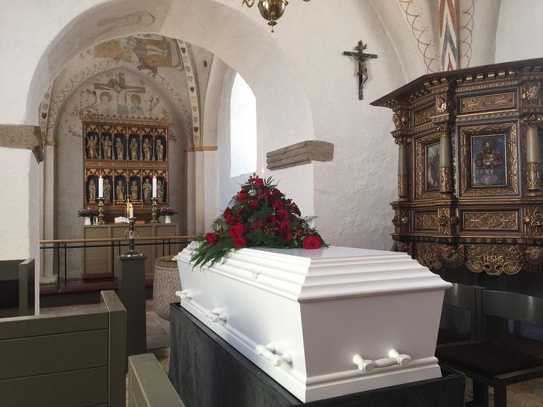 Sargbestattung  Bestattungslexikon, lexikon-bestattungen, Bestattungsdienste, Bestattungsbedarf