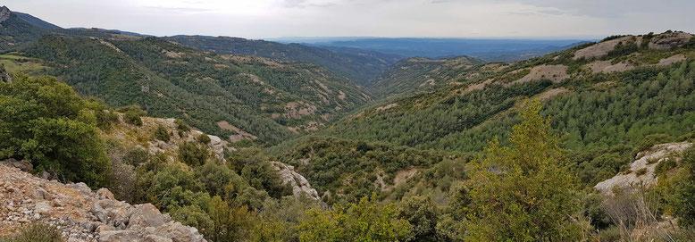 Eine nahezu unberührte und siedlungsfreie Landschaft der südlichen Pyrenäenausläufer!