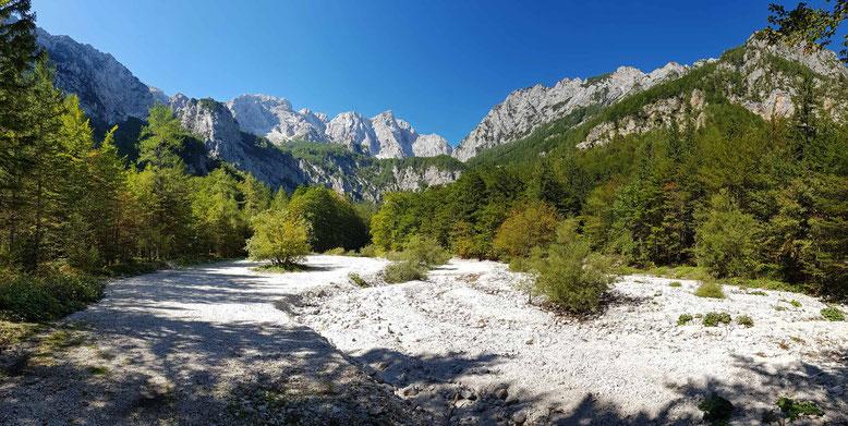 Am Ende des Logar-Tals hat man einen schönen Blick auf den Grintovec