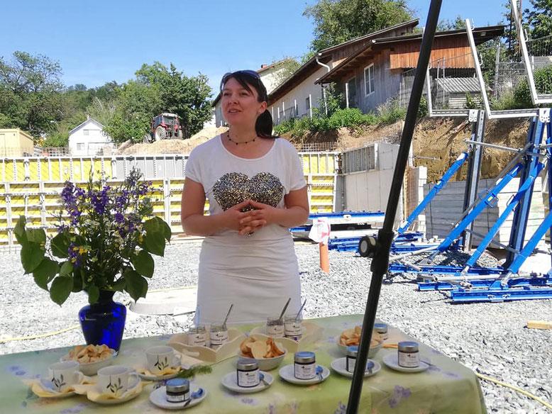 Astrid Schranz erzählt von Leben und Arbeit am Naturhof.