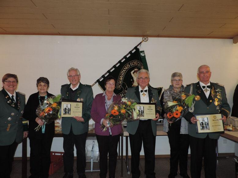 von rechts nach links  Josef Zimmer mit Frau, Heinrich Braun mit Frau, Richard Simon mit Frau und 1. Brudermeisterin Marga Kinner