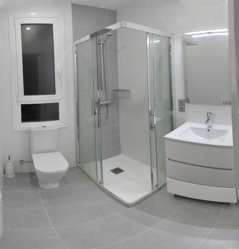 reforma integral de baño con ventana san sebastian