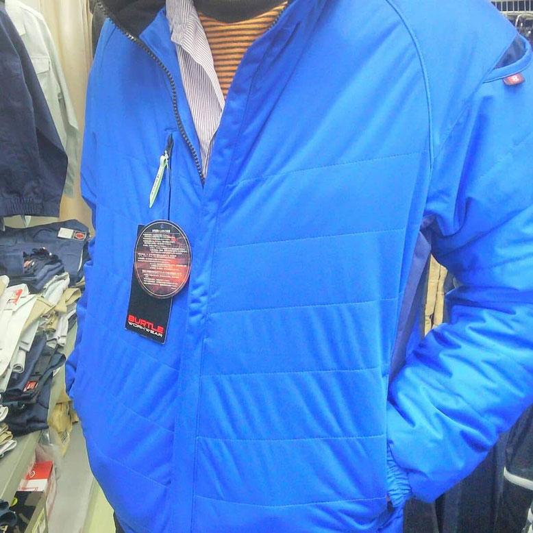 BURTLE(バートル)7410 防風ストレッチ軽防寒ブルゾン タイトに決まるのに、ゆったり着れます。