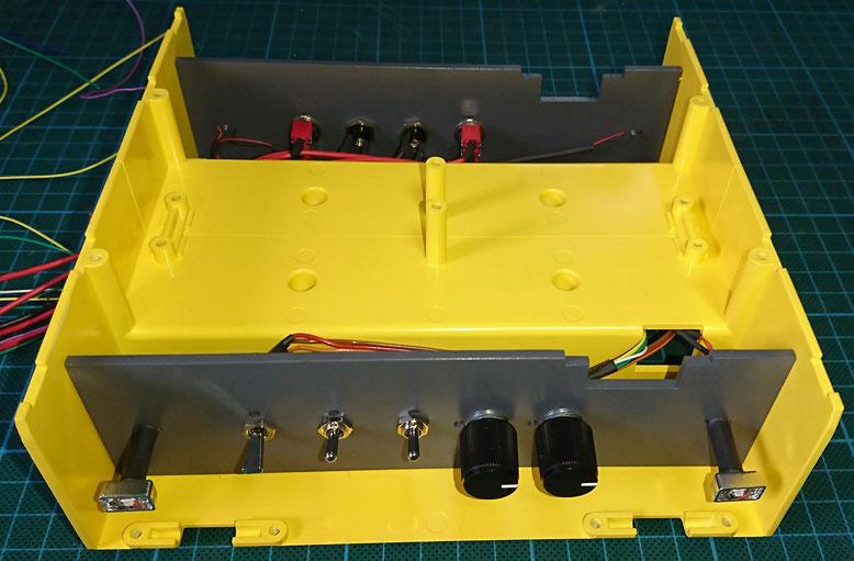 1/14タミヤ製3軸リーファーセミトレーラーのパレットケース右側