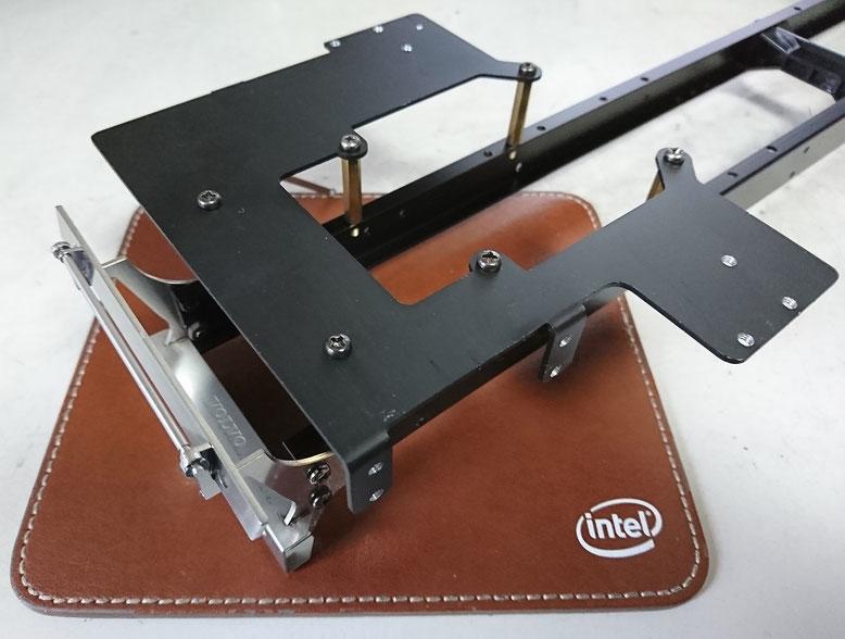 中国製ボルボFH16用床板を取り付けたフレーム