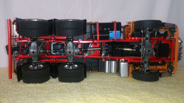 ScaleART MAN TGS 3軸3転ダンプトラック駆動部