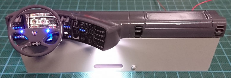 1/14タミヤ製ラジコントラック改造スカニアスキップコンテナのダッシュボード