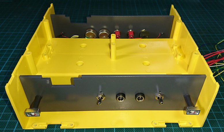 1/14タミヤ製3軸リーファーセミトレーラーのパレットケース左側
