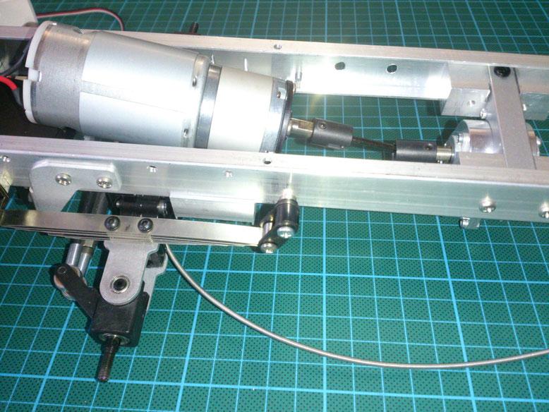 Servonaut GM32U390の取り付け例