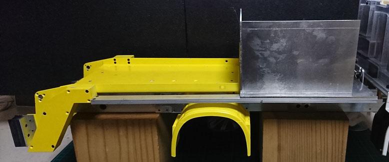 油圧ポンプの格納室