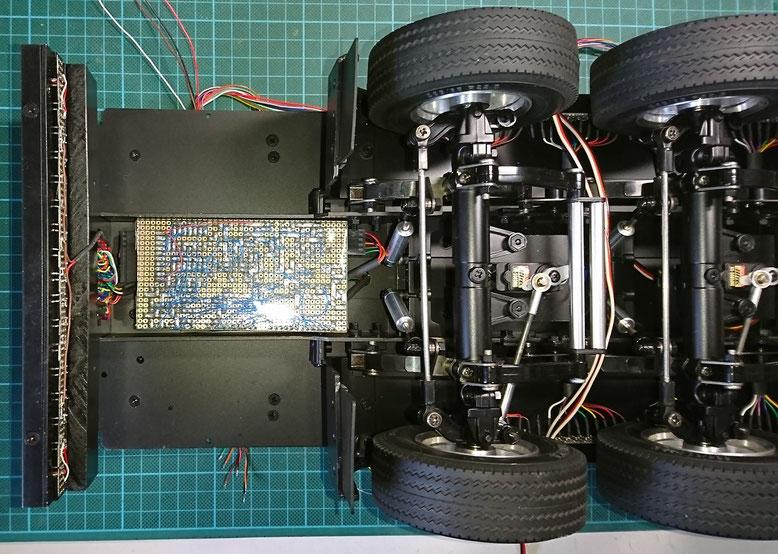 1/14タミヤ製3軸リーファーセミトレーラーのシーケンシャルウィンカー用アンプ