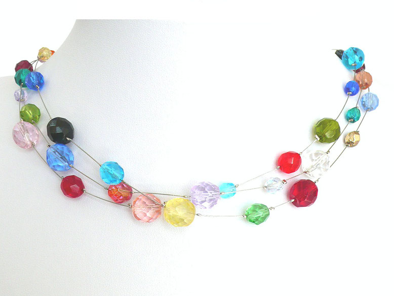 Perlenkette mit bunten Perlen