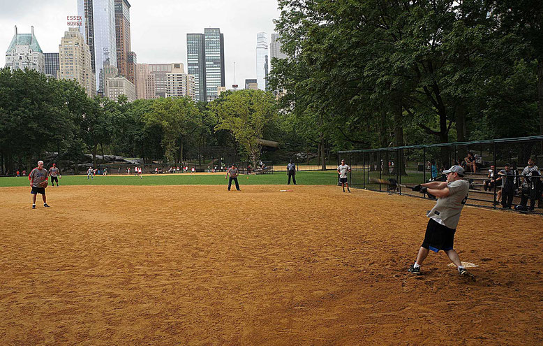 Mathieu Guillochon photographe, USA, New York City, Manhattan, central park, voyage, baseball, playground, joueurs, street photo.