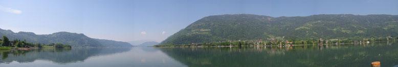 Panorama von der Schiffanlegestelle in Ossiach mit Blick auf den OssiacherSee, die Gerlitzen und am Ende des Sees kann auch Oswaldiberg und den Dobratsch erkennen.