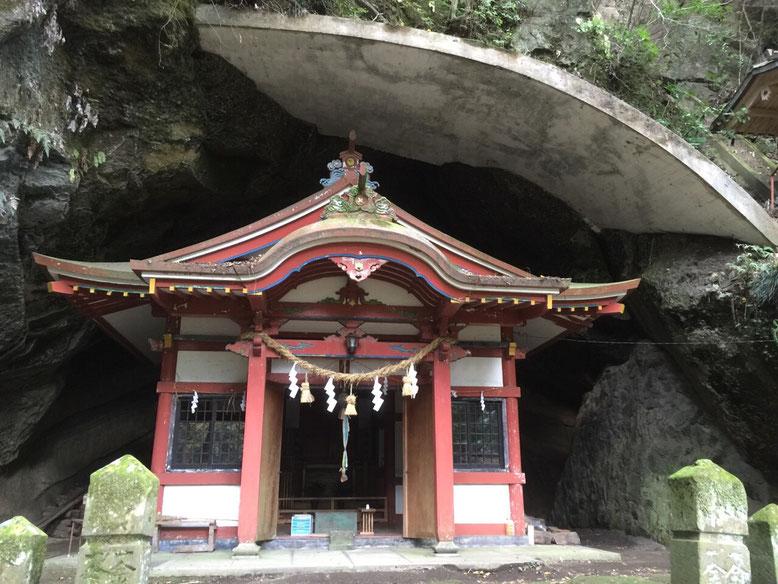 健男霜凝日子(たけおしもこりひこ)神社の下宮