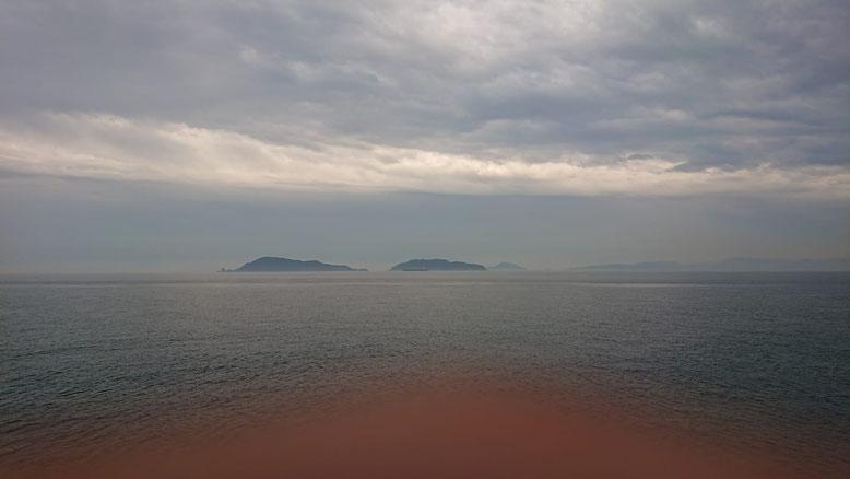 左が沖無垢島、右が地無垢島