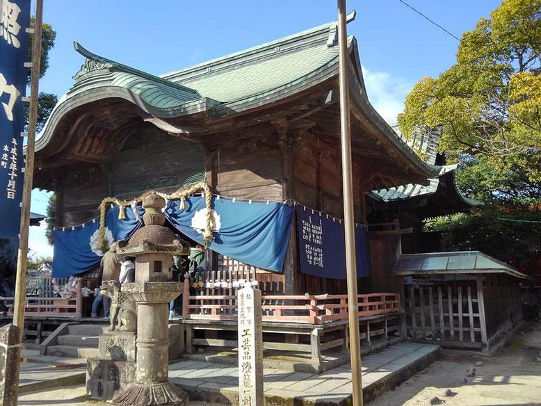 本庄神社拝殿と本殿の写真