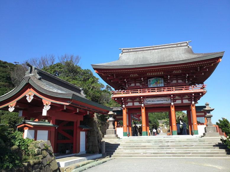 鵜戸神宮楼門の写真