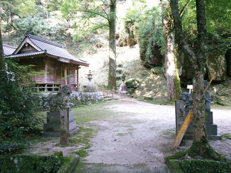 後鳥羽神社境内の写真
