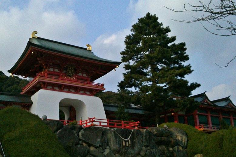 赤間神宮水天門の写真