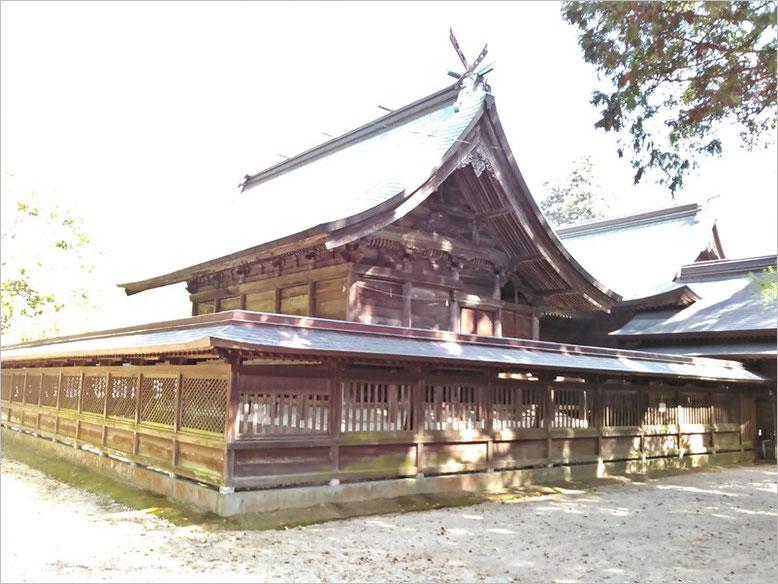 與止日女神社本殿の写真