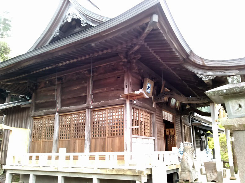 陶山神社拝殿の写真