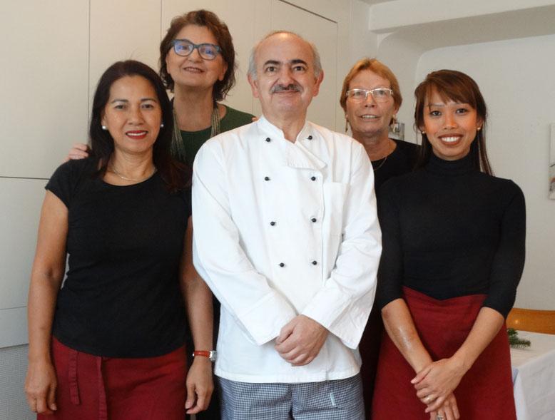 Das Team von Restaurant Tiefenbrunnen (l nach r): Erika, Mladenka, Vlado, Gori