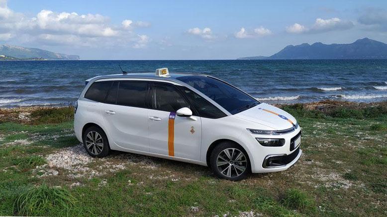 Vehículo oficial Ourtaxi4you, nuevo, moderno, cómodo y seguro.