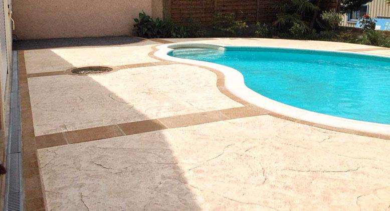 hormigón impreso espacio de su piscina