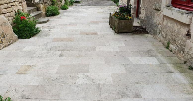 suelo para exterior en piedra natural