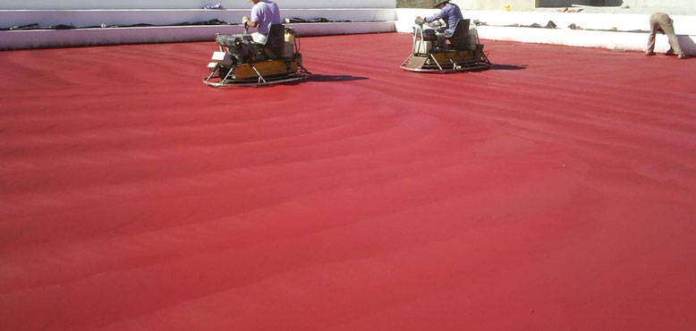 como hacer hormigón fratasado color rojo en exterior