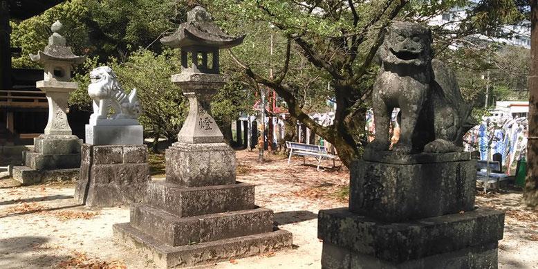 與止日女神社境内狛犬の写真