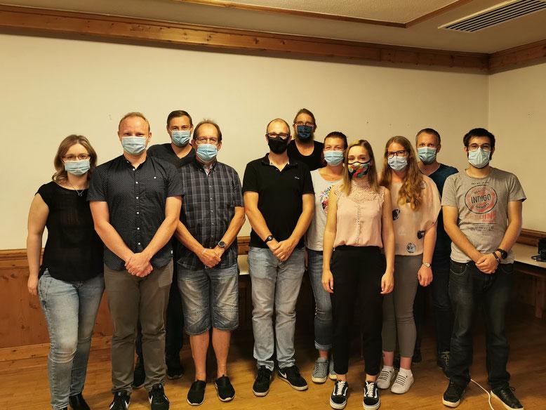 Maskiert und frisch gewählt: Die anwesenden Mitglieder des aktuellen Präsidiums