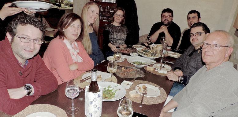 CENA DE TRABAJO EN EL MARINO. El alcalde, Vicent Grimalt, los ediles Óscar Mengual y Pepa Font, Floren Terrades (Dénia City of Gastronomy), el chef Evarist Miralles y Bati Bordes junto a las técnicas de Turismo de Bergen, Ruth Rørvik y Heidi Bjønnes.