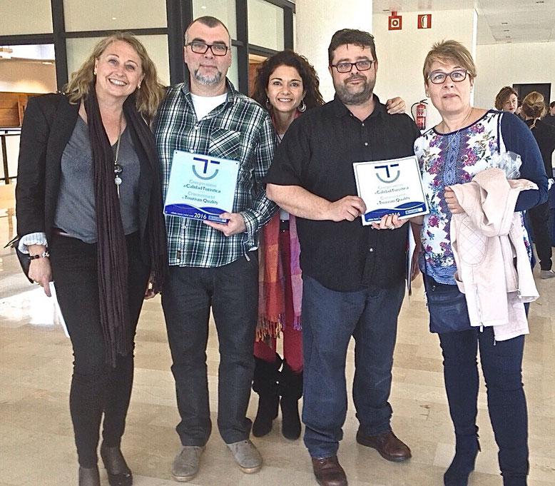 Bati Bordes y Manuel Gregorio con las profesionales del SICTED que nos han asesorado y ayudado con una excelente profesionalidad