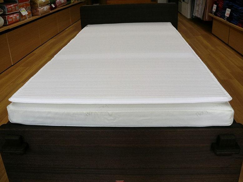 お使いの敷きふとんやマットレスにプラスするだけで寝心地が変わります