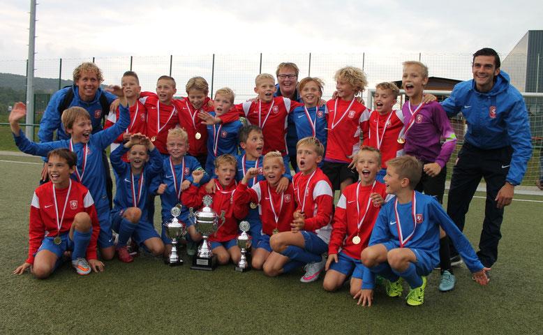 Der FC Twente Enschede setzte sich mit 3:0 im Endspiel gegen Fortuna Köln durch und gewinnt nach 2012 zum zweiten Mal des Champions-Cup.