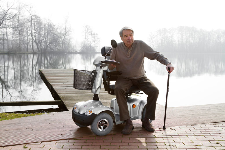 Elektromobil M68 bis 12km/h für Senioren und Behinderte