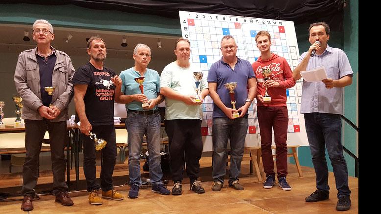 les vainqueurs par série et le podium du TH3 : P.Rahier-M.Sautier-D.Poupardin-C.Bourdaud'hui-T.Chincholle-S.Valentin avec A.Delaruelle