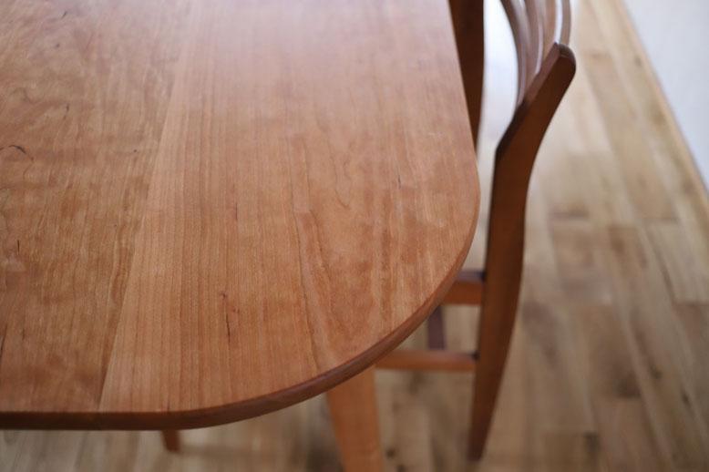 角の丸いテーブル 角が丸いテーブル