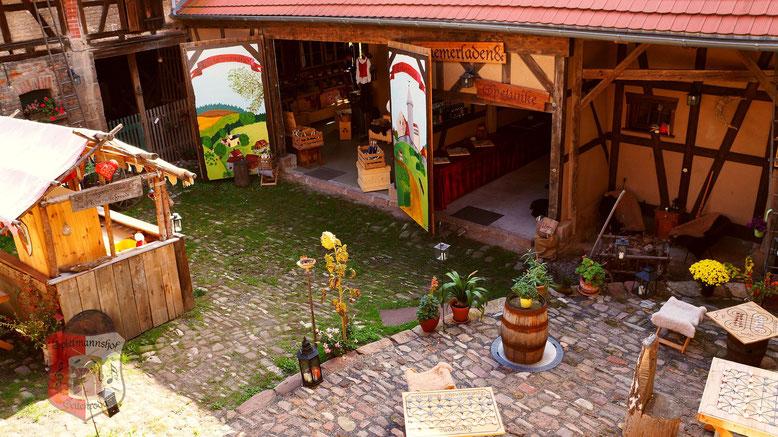 Spielmannshof Seitenroda Innenhof mit Hofbar